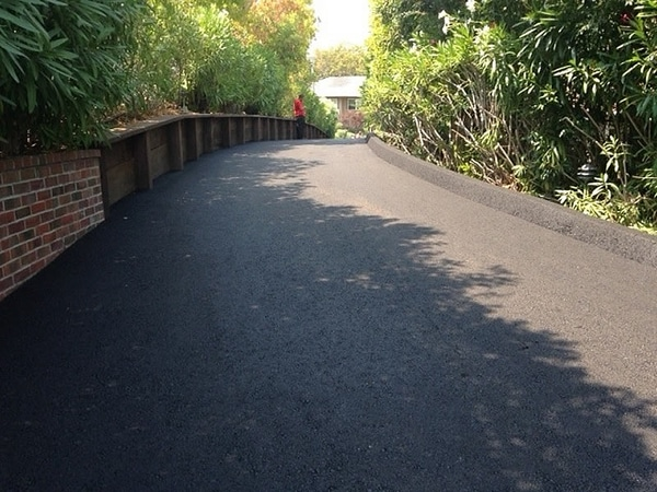 Marin county paving customer in San Rafael, driveway and berm